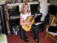 Juliet Ansell Classical & Acoustic Guitar